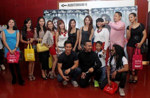 Nobar artis Indonesia film Whi Am I: No System is Safe di Blitz SCBD, Selasa (10/3). Foto: Ki2.
