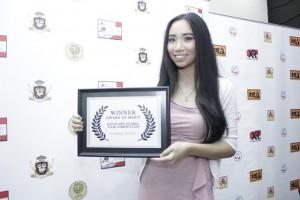 Natasha Dematra, Aktris Terbaik di Festival Accolade Global Film Competition, California. Foto: Dudut Suhendra Putra.