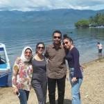 Nikita Willy dan keluarga nikmati lebaran di kampung. Foto: Syehvalif