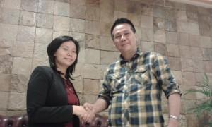 Livi Zheng dan Salah satu pendiri APFI, Ody Mulya Hidayat. Foto: Ibra
