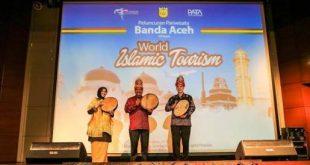 Anugerah Pariwisata Halal Terbaik 2016, NTB dan Sumbar Berjaya