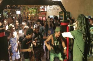 Aksi Steven Jamini di roadshow party San Miguel di Midnight Groove, Bali baru-baru ini