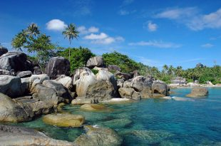 Pantai Tanjung Tinggi, Belitung. Foto: Ilustrasi.