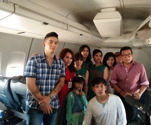 Sebagian mereka yang terlibat di film Flight 555. Foto: Ibra.