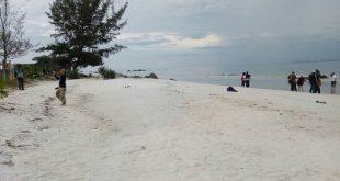 Camping D'Island Belitung Timur, Menyapa Ibu Muslimah, Guru SD Laskar Pelangi
