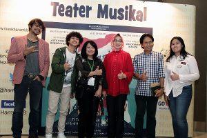 Walikota Tangsel Airin (baju merah), Hadir di konser Teater Musikal Anak, Kamis (18/8/2017) di Titan center, Bintaro, Tangsel. Foto: dudut Suhendra Putra.