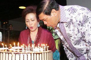 Mantan Menkopolhukam Laksamana TNI (Purn) Tedjo Purdijatno rayakan hari Ulang Tahun ke 65 bersama Isteri,  Yusfin, Rabu (20/9/2017) di Jakarta. Foto: Kiki.