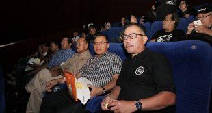 Ferry Mursyidan Baldan Teteskan Air Mata Saat Saksikan Film Chrisye