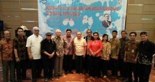 Foto bareng sebagian yang telah mengikuti seminar Usulan Usmar Ismail jadi pahlawan nasional. Foto: Ibra.