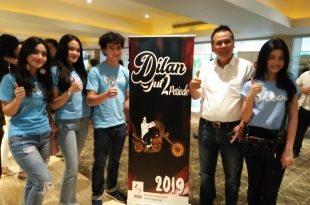 Produser max Pictures, Ody Mulya Hidayat bersama para pemeran film Dilan 1990. Foto: ibra.