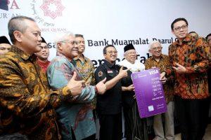 Ustadz Yusuf Mansyur ajak umat buka rekening tabungan di Bank Muamalat Indonesia. Foto: Riz.