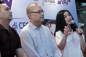 Artis Ayushita dukung beli film DVD original. Fptp: Dudut Suhendra Putra.