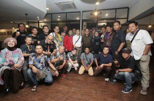 Teman-teman media bersama Ferry Mursyidan Baldan. Foto: Dudut Suhendra Putra.