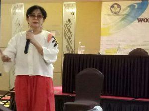 Nini L Karim jadi salah satu narasumber di Workshop Kritik Film. Foto: Ist.