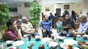 Silaturahim media dengan Ketum GPBSI , Djonny Safruddin (kanan) dan Direktur Oprasional grup Cinema XXI, Jimmy Haryanto (nomor tiga dari kanan). Foto: mas Toto.