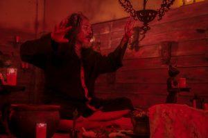 Sujiwo Tejo sebagai Jarwo dalam adegan film Kafir. Foto: ist.
