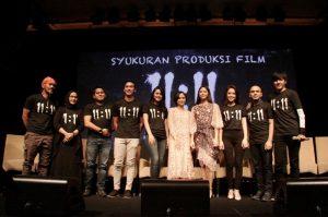 Syukuran produksi film 11:11 Apa yang kau Lihat? Foto: Dok.  Layar production.