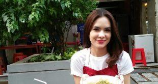 Steffi Zamora Buka Cabang Seblak di Kalibata City