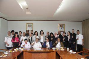 Silatruahim silaturahim Pafindo dengan Asisten Deputi Gubernur DKI Jakarta Bidang Kebudayaan, Prof Agus Suradika di Jakarta, kemarin. Foto: Ki2.