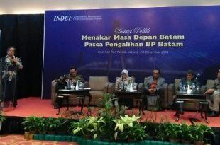 """Suasana Diskusi Publik bertajuk, """"Menakar Masa Depan Batam Pasca Pengalihan 8P Batam"""" (19/12), di Sari Pacific Hotel, Jakarta. (Foto: Ibra."""