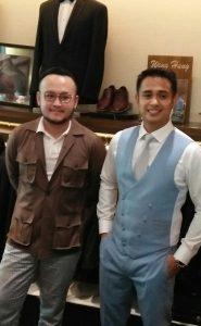 Ajun Perwira didampingi desainer kondang Samuel Wongso dan Wong Hang, saat fitting busana Pengantin, Sabtu (20/4/2019) kemarin di Jakarta.