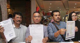 Sejumlah inisiator Perjuangan Hak Pedagang di Pasar Bukittinggi bersama Aliansi Rakyat Anti Korupsi mewakili sekitar 20.000 Pedagang K-5 Se- Kota Bukittinggi, saat berbicara pada media di jakarta. Foto: Ki2