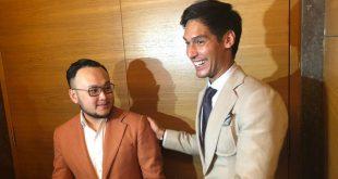 Kekasih bintang komedi Jessica Iskandar, Ricard Kyle saat fitting busana lamaran di disainer Samule Wongo dari Wong Hang Tailor. Foto: Ist.
