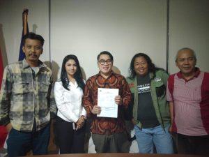 """Panitia diskusi KJSI bertemu Ketum Pafindo. Foto"""" Dok Ki2."""