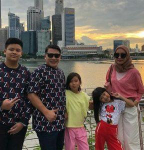 Ketum Pafindo Gion Prabowo bersama keluarga. Foto: Dok. Pribadi.