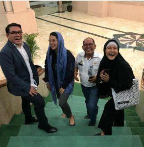 Gion bersama Ria Irawan (Paling kanan) dan rekan artis lainya. Foto: Dok. Pribadi.