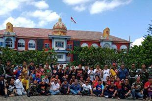 Komunitas pemilik Pajero, Pajero Indonesia One (PI-One) memperkenalkan Pulau Pahawang. Foto: Ist.