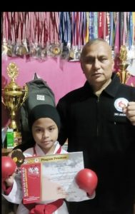Azzura bersama sang ayah Ali Nurdin Harahap. Foto: Ist.