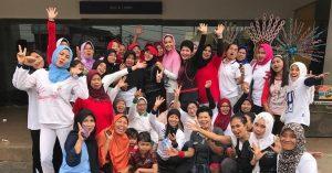 Ayu dan komunitas Aliansi Wartawati Indonesia. Foto: Ist.