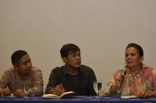 Artis Senior Indonesia Christine Hakim (kanan) bersama Executive Director Jogja-Netpac Asian Film Festival (JAFF) Ifa Isfansyah (tengah) dan Managing Director JAFF Wasisto Dibyo memberi keterangan kepada wartawan dalam konferensi pers Jogja-Netpac Asian F