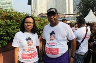 Asisten 1 Bidang Pemerintah Papua Barat, Musa Kamudi dan Kepala perwakilan Papua Barat Jakarta, Juliana A. Muitimu. Foto Syehvalif.