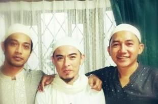 Suasana Berry masuk Islam. Foto: Ilustrasi.