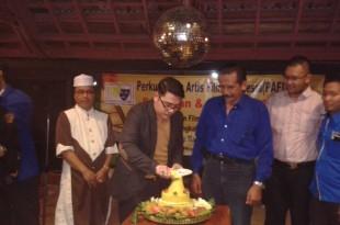 Ketum Pafindo, Gion Prabowo potong tumpeng di Hut Pafindo ke 3. Foto: Ibra