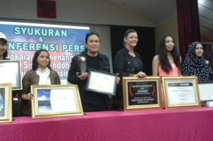Mereka yang berjaya diajang Festival Film International. Foto: Ibra