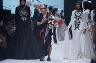 "Kursien Karzai Munculkan Karya Terbaru di Jakarta Fashion Week 2017, Bertajuk ""'Philosophy Heart'.' Foto: Ki2."