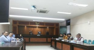 Kasus Air Mineral dengan agenda menyampaikan materi kesimpulan di ruang sidang I di kantor KPPU, Jalan Ir, H Juanda No 36 Jakarta Pusat pada Selasa (7/11) lalu. Foto: Ist.