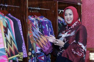 Desainer Anna Mariana. Foto: Dudut Suhendra Putra.