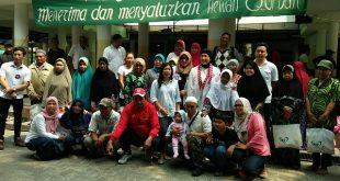 Kegiatan baksos Yayasan Indera Surya dan Majelis Ta'lim Damai alumni SMP 58-88 buat warga Setia Budi, Rabu (15/8/2018) kemarin di Jakarta. Foto: Ibra.