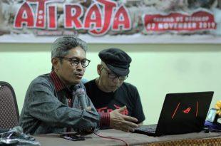 Anggota LSF Syamsull Lussa dan Shaifuddin Bahrum - sutradara Ati Raja hadir dalam Press Junket Film Ati Raja kemarin di Jakarta. Foto: Dudut Suhendra Putra.