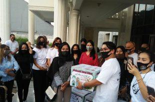 Ketum Pafindo Gion Prabowo memberikan Bantuan melawan Covid 19. Foto: Ibra.