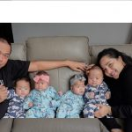 Pasangan Rianto dan Tyas bersama 4 anak kembarnya. Foto: ist.